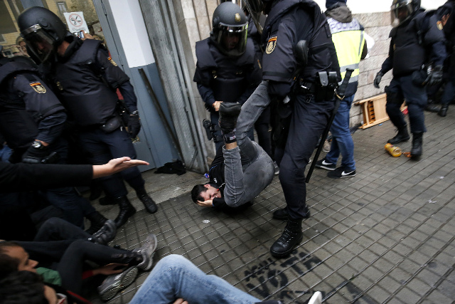 Council of Europe human rights chief urges Spain to launch probe into police action in Catalonia