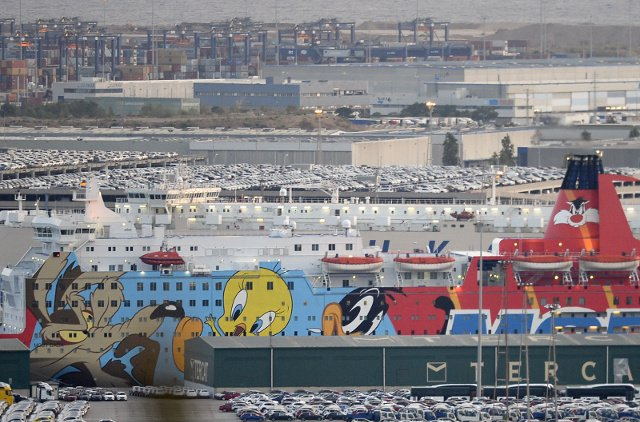 Spanish police finally move out of Tweety boat sent to Barcelona