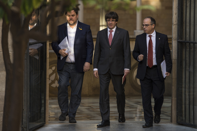 Deposed Catalan government's botched Photoshop job sparks memes