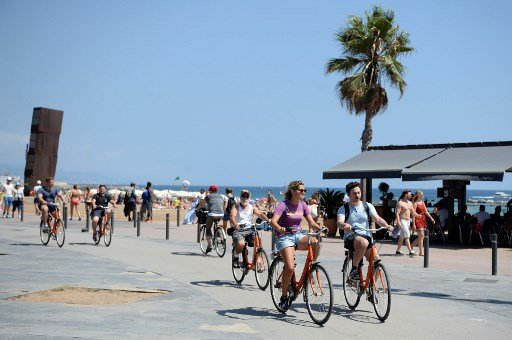 Spain smashes foreign tourism records a month before end of year
