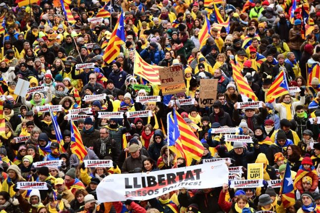 Spanish judge expands probe into Catalan separatists