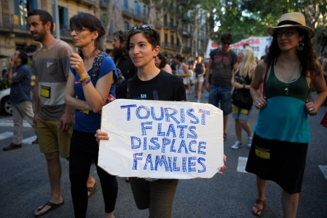 Valencia joins the battle against mass tourism with ban on rooms with a view