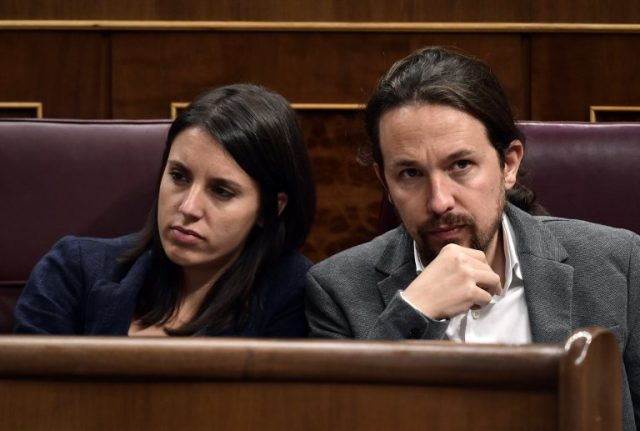 Podemos twins arrive three months early