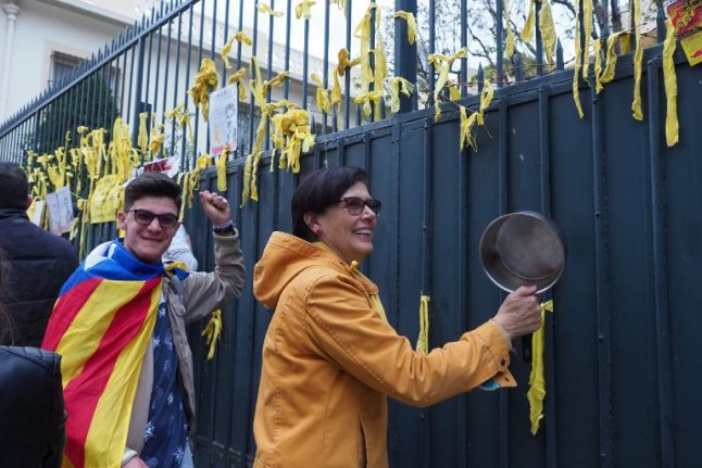 Tensions rise in Catalonia over pro-independence yellow ribbons