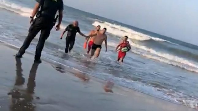 Video: Spanish swimmer arrested after refusing to leave red flag waters