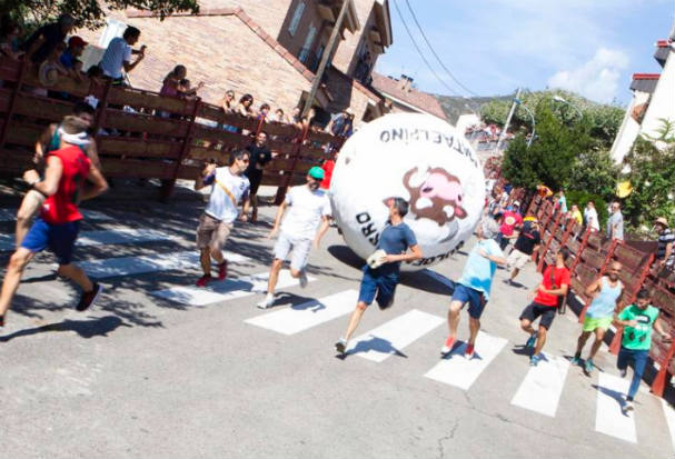 Man crushed by 250kg globe in Spain's running of the balls festival