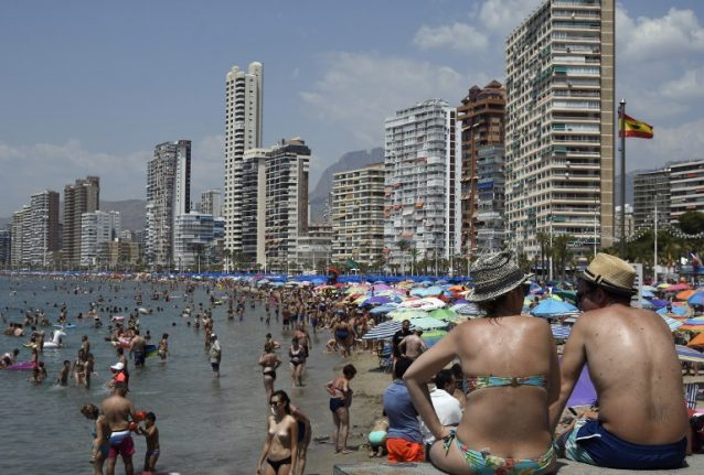 Spain receives a million fewer tourists than expected in July