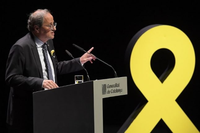 Spanish PM asks Catalan leader to talk to those against independence