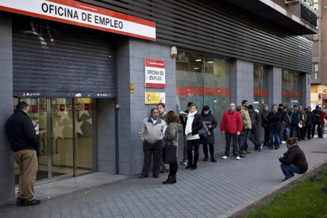 Spain pledges  €2 billion for tackling youth unemployment