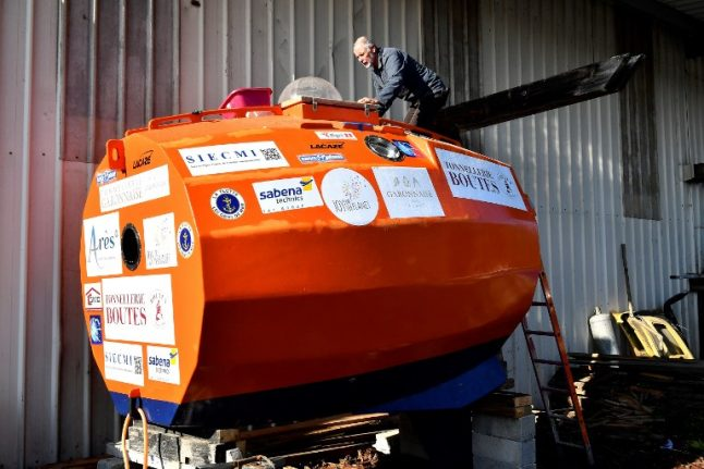 Seventy one-year-old man in a barrel aims to drift across Atlantic from Spain