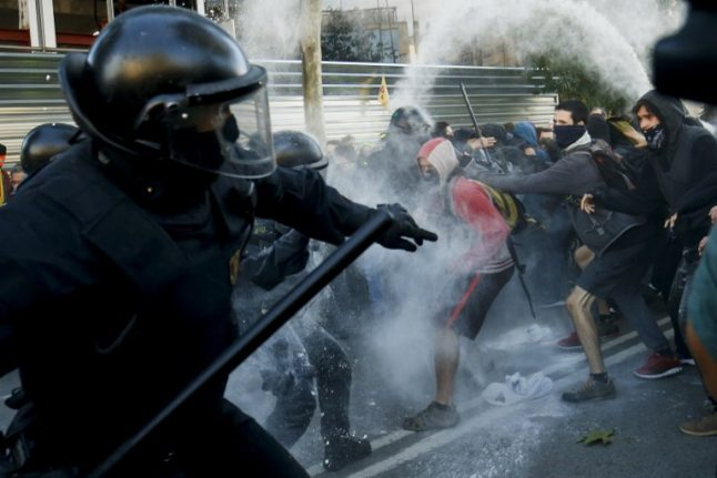 Madrid threatens to send national police to Catalonia to provide order
