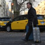 Uber and Cabify suspend services in Barcelona in row over new regulations
