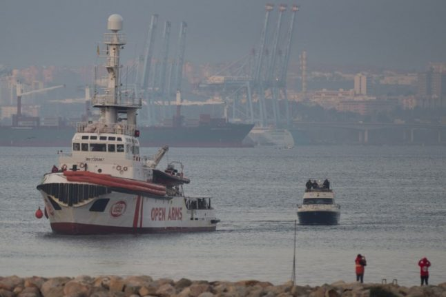 Spain rescues 400 migrants over start of new year