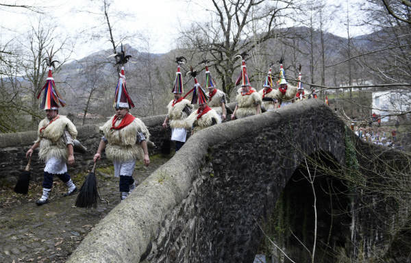 IN PICS: The bizarre Spanish 'bellringing' festival you need to see