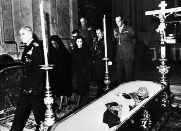 Franco's family faced with deadline to choose dictator's reburial site