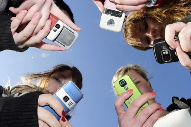 Readers' tips: What's the best mobile phone company to use in Spain?