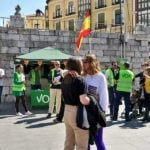 Lesbian kiss in front of Vox campaigners in Valladolid goes viral
