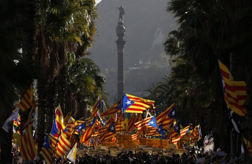 Spanish judge charges ANOTHER 30 Catalan officials over referendum