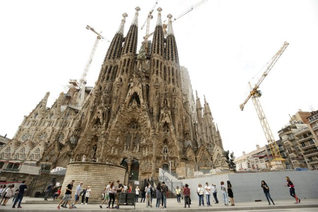 Barcelona gives Sagrada Família building permit... after 137 years