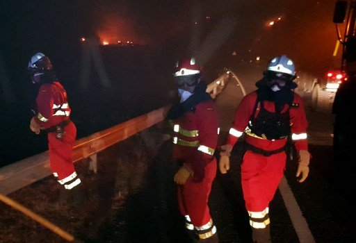 WATCH: Firefighters contain blaze on Gran Canaria