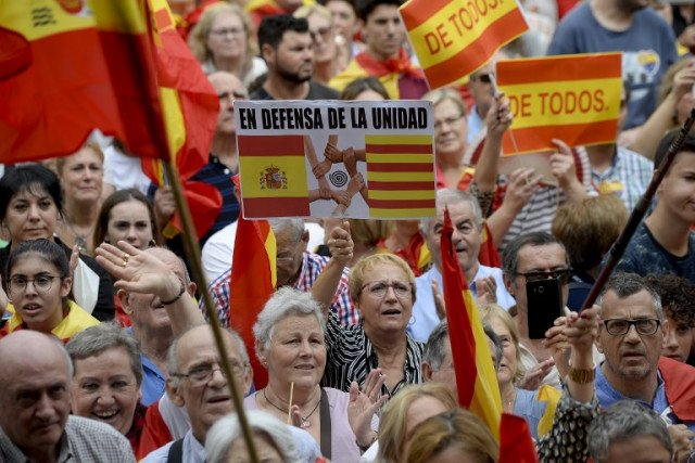 How Spain usually celebrates its National Day (and why not everyone is  happy about it) - The Local