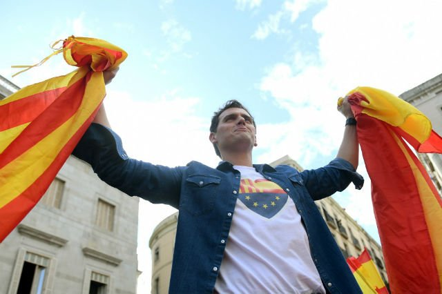 Spanish PM criticised for failure to prevent separatist protests