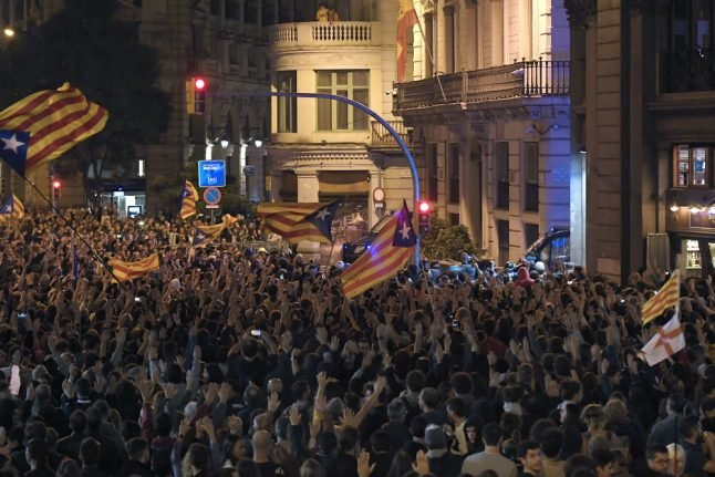 350,000 protesters flood Barcelona for separatist rally