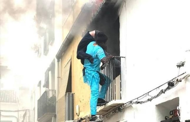 'Thank you, you're a hero': Costa Blanca man saved from burning building by mystery street seller