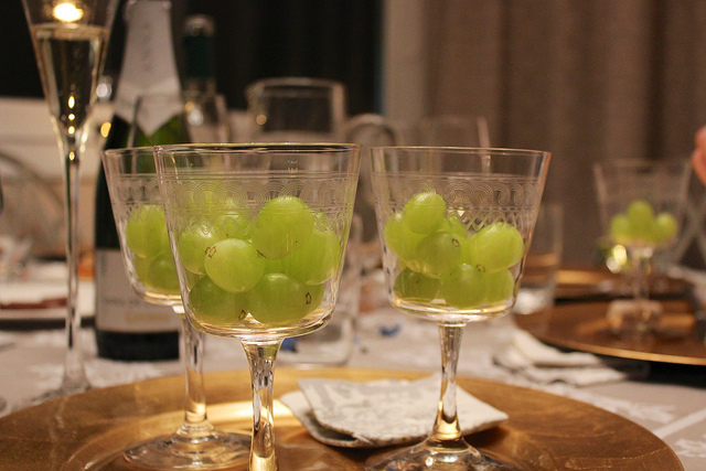 EXPLAINED: Why the Spanish see in the New Year with 12 grapes