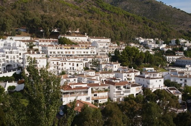 'They couldn't swim': British family drowns in hotel pool accident on Costa del Sol