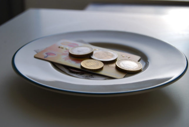 tipping spain