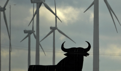 Spain declares 'climate emergency' and signals move to renewables