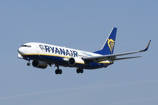 Ryanair cuts over 200 jobs in Spain with closure of Canary Island bases