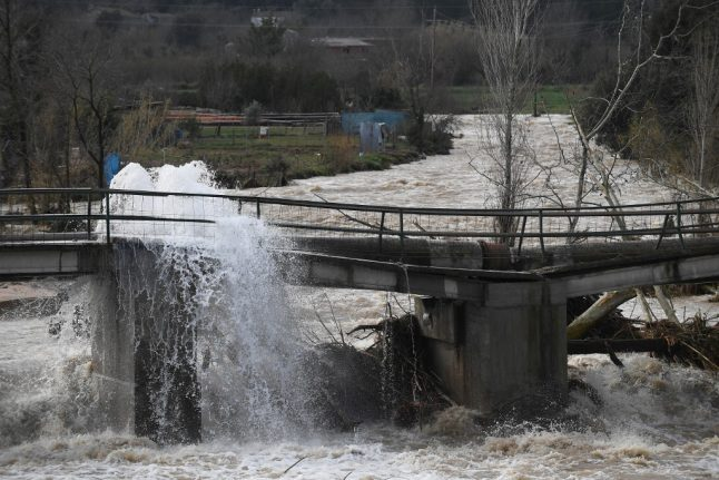 Storm Gloria: 11 dead and five missing as flooding worsens in Spain