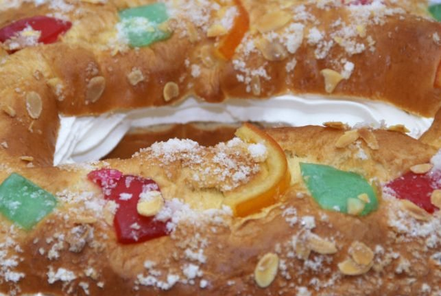Which supermarket in Spain offers the best Roscon de Reyes?