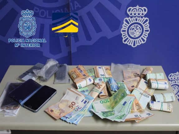 Police arrest trafficking gang who smuggled people into Spain by speedboat