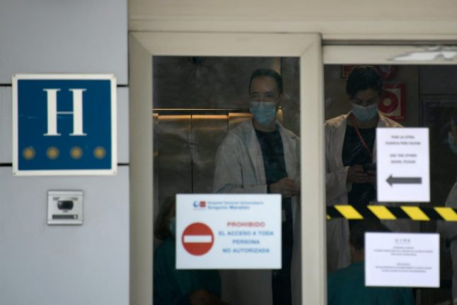 Spain calls on thousands of extra health workers in its battle against the coronavirus