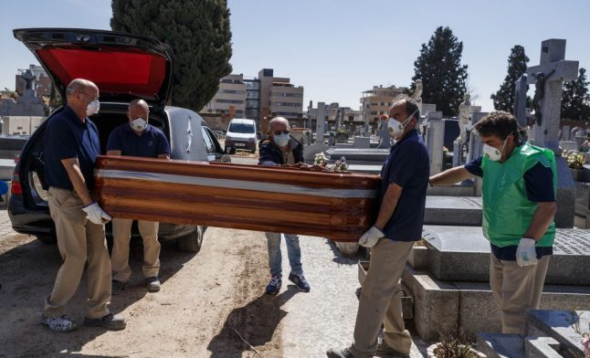Coronavirus: Spain bans funeral ceremonies and limits burials to just three mourners