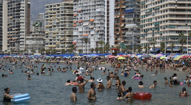 Social distancing to be imposed on Spain's beaches once lockdown ends