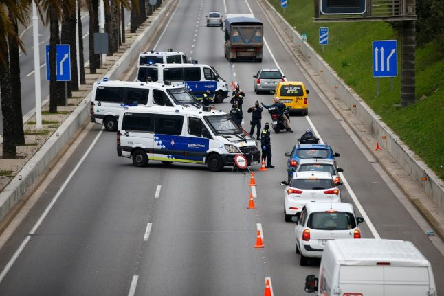 Spain steps up police checkpoints to stop Easter getaway traffic