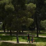 Madrid to reopen some (but not all) city parks and pedestrianize streets to alleviate crowds