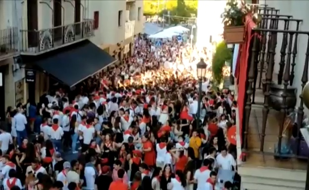 'Shameful': Hundreds gather for illegal street party in northern Spain