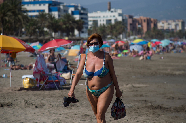 Canary Islands to make masks obligatory and introduce a smoking ban