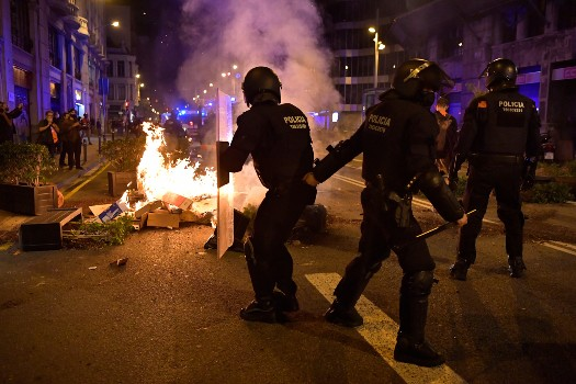 Clashes break out in Barcelona over virus restrictions