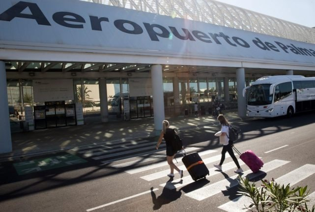 Closed borders: How can I travel in or from Spain right now?