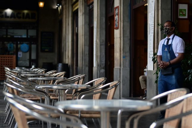 Catalonia shuts down late night shops in bid to stop 'botellons'