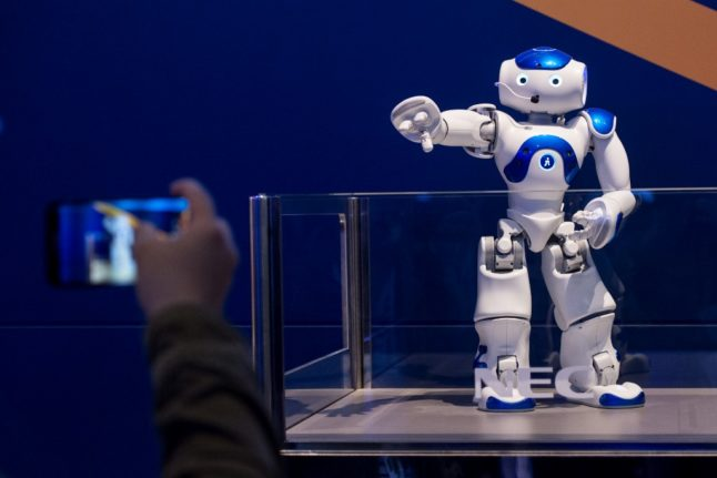 Spain to invest €600 million in artificial intelligence in plan to transform economy