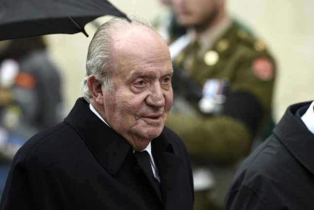 Spain ex-king 'submits papers to sort out tax affairs'