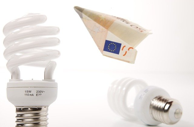 EXPLAINED: How to apply for a discount on your Spanish electricity bill