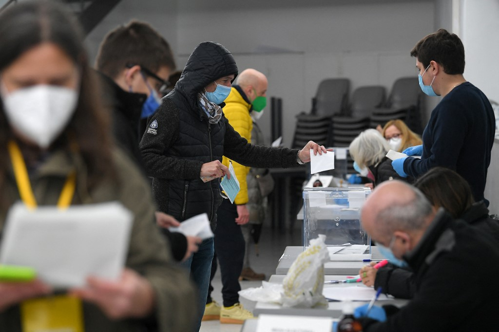 Spain's Catalonia holds key vote under cloud of pandemic